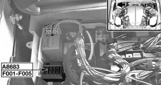 bmw 5-series – wiring diagram - fuse box diagram – engine compartment – s85